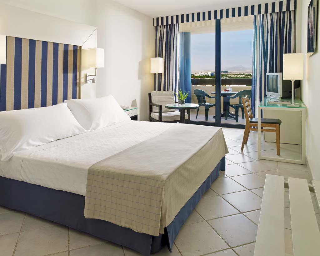 http://ccdn.viasaletravel.com/hotels/129/10_ht_double_room.jpg