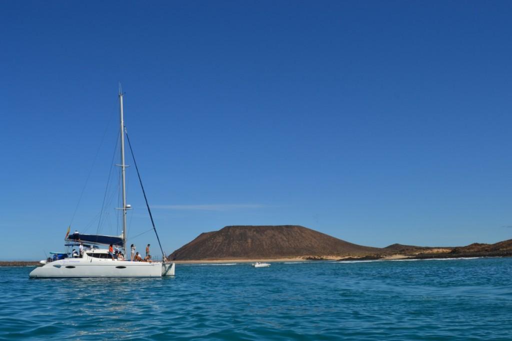 Katamarán kirándulás Isla de Loboshoz