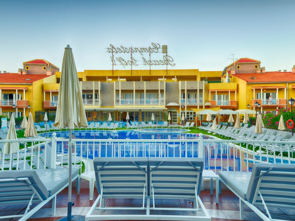 https://ccdn.viasaletravel.com/hotels/0006/coralcompostelabeachgolf037.jpg