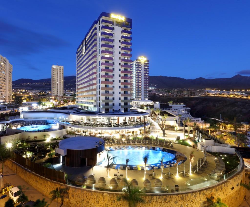 https://ccdn.viasaletravel.com/hotels/0226/1hrhtexterior2.jpg