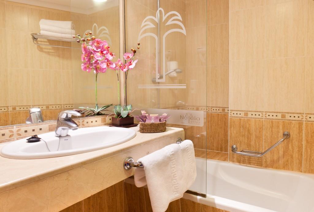 https://ccdn.viasaletravel.com/hotels/0271/noeliaplayaappartment1.jpg