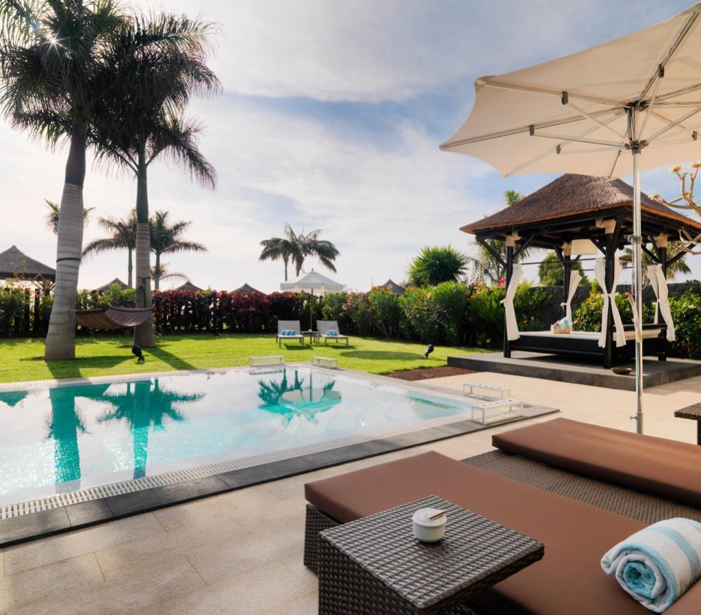 https://ccdn.viasaletravel.com/hotels/0300/00019agranmeliapalaciodeisorapoolvillamercedes.jpg