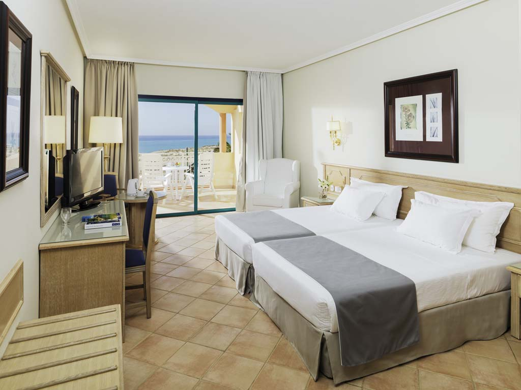 https://ccdn.viasaletravel.com/hotels/130/11_hpe_double_room_sea_view.jpg