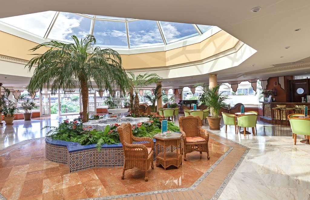 https://ccdn.viasaletravel.com/hotels/154/ocorr_gast_74.jpg