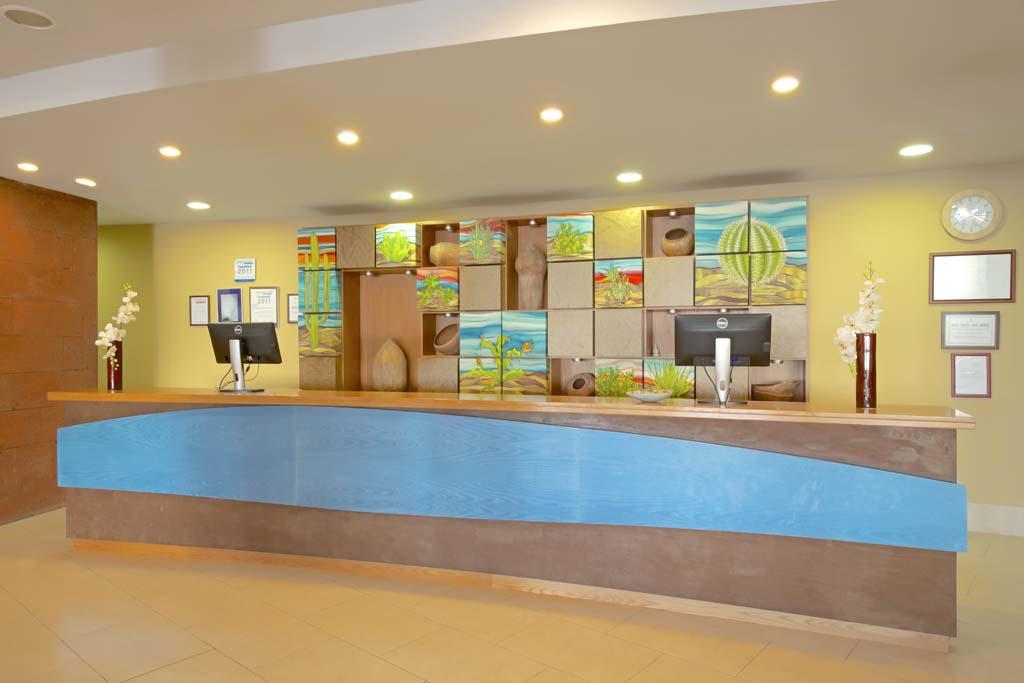 https://ccdn.viasaletravel.com/hotels/159/ibstar_fua_pr_fac_hall_d1305_081.jpg