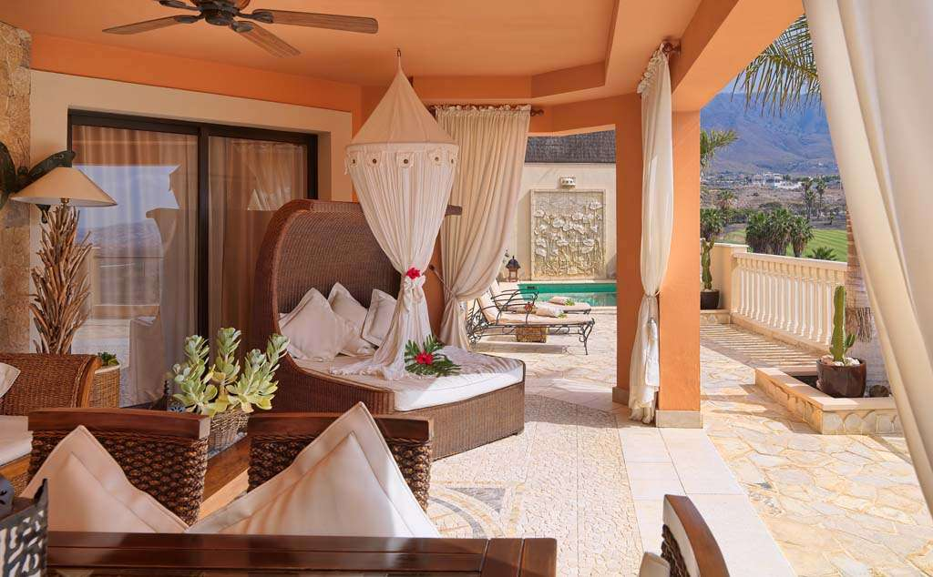 ROYAL GARDEN VILLAS*****