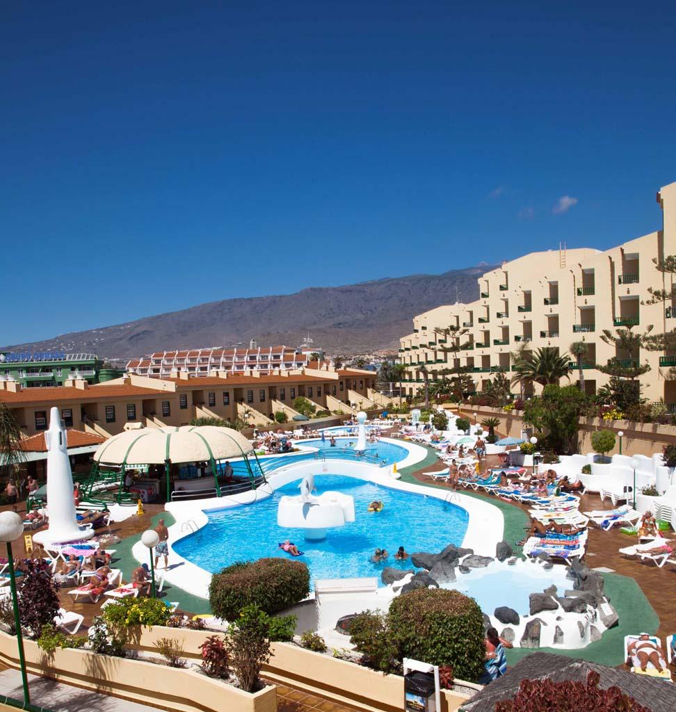 https://ccdn.viasaletravel.com/hotels/43/foto-lp1-pool_766_o.jpg